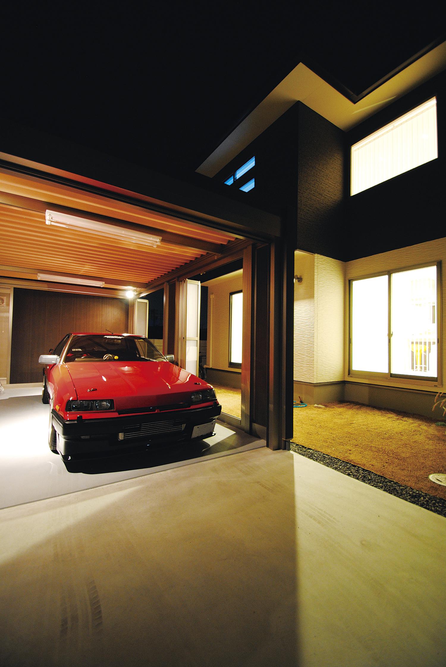 「大切な愛車をいつまでもそばに置いておきたい」 外構工事に至るまでトータル提案の家づくり イメージ